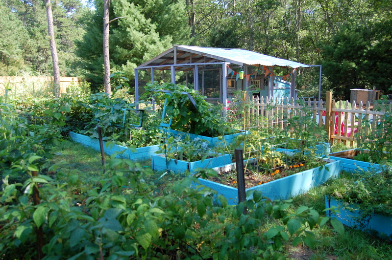 Permaculture for the Rest of Us, Abundant Living on Less Than an Acre